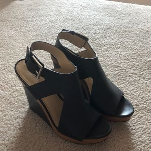🆕 Micheal Kors black leather wedges